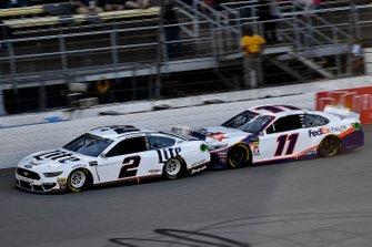 Brad Keselowski, Team Penske, Ford Mustang Miller Lite, Denny Hamlin, Joe Gibbs Racing, Toyota Camry FedEx Freight