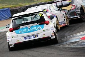 Mike Bushell, Power Maxed Racing Vauxhall Astra