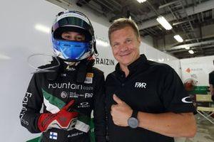 マックス・サロ Max Salo、ミカ・サロ Mika Salo(#12 FMR Porsche Cayman GT4)