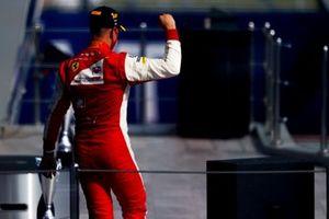 Победитель гонки Мик Шумахер, Prema Racing. на подиуме