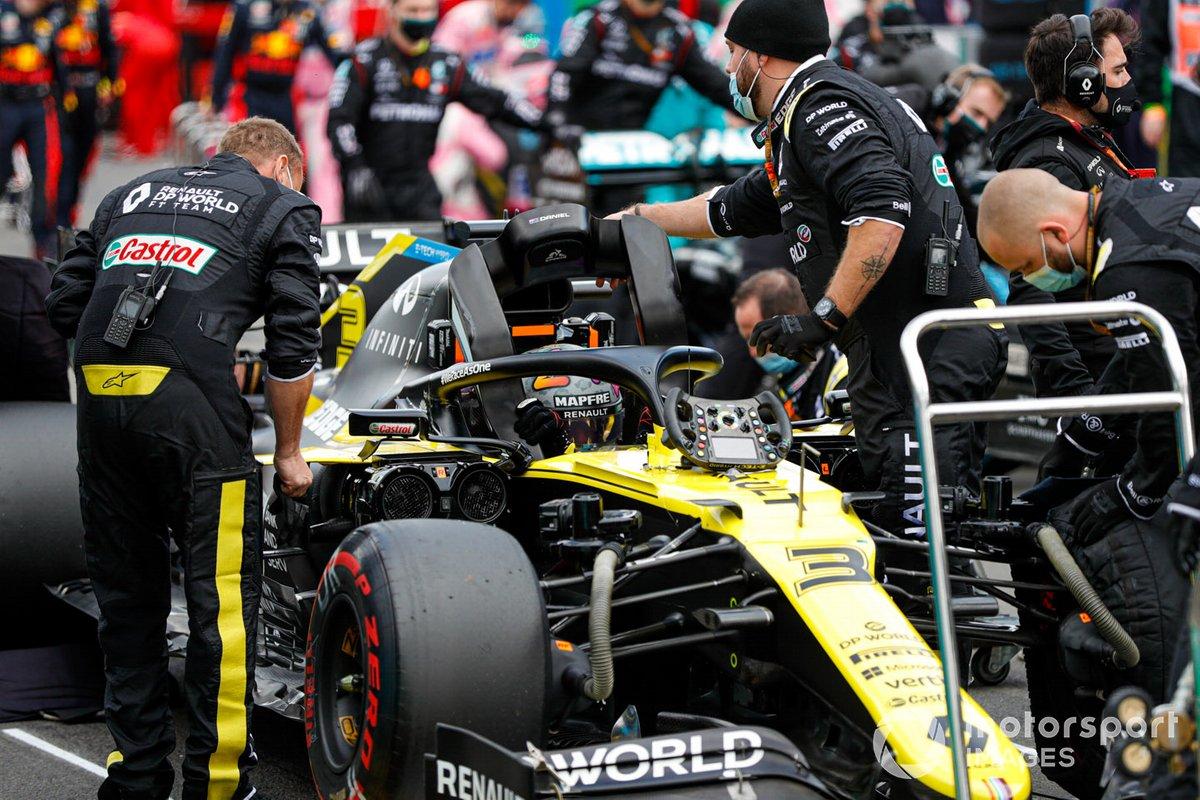 Daniel Ricciardo, Renault F1 Team R.S.20, sulla griglia di partenza