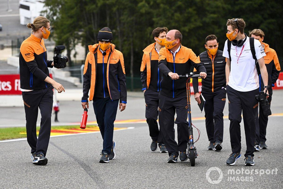 Lando Norris, McLaren canina por el circuito