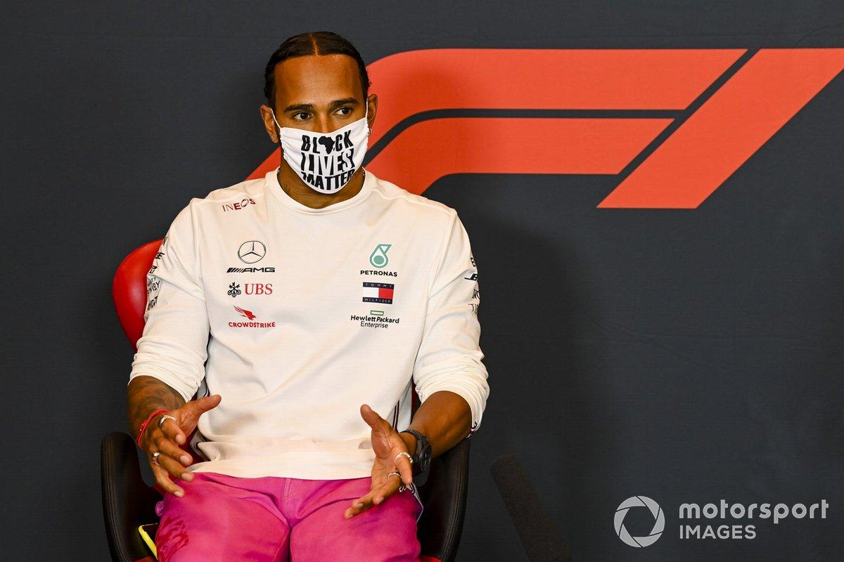 Lewis Hamilton, Mercedes-AMG F1, en la conferencia de prensa