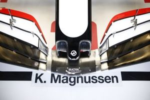 The nose of the car of Kevin Magnussen, Haas VF-20