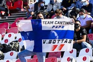 Fans show support for Valtteri Bottas, Mercedes-AMG F1