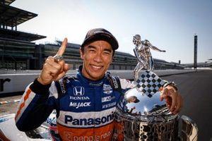 1. Takuma Sato, Rahal Letterman Lanigan Racing Honda