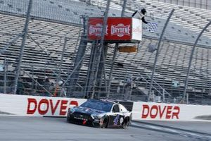 Yarış Galibi Kevin Harvick, Stewart-Haas Racing, Ford Mustang