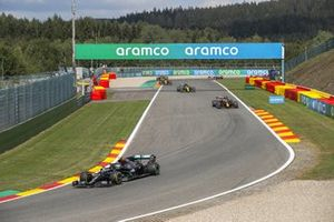 Valtteri Bottas, Mercedes F1 W11, Max Verstappen, Red Bull Racing RB16, Daniel Ricciardo, Renault F1 Team R.S.20, and Esteban Ocon, Renault F1 Team R.S.20