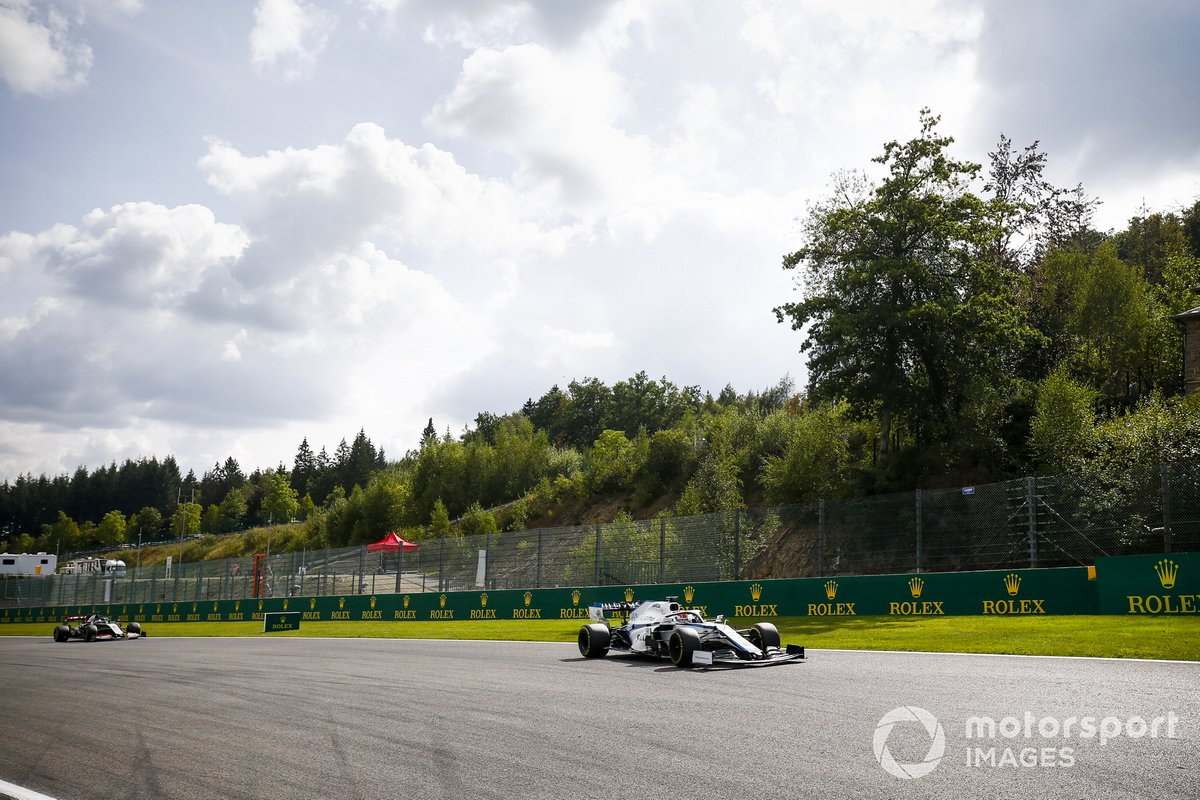 George Russell, Williams FW43, Kevin Magnussen, Haas VF-20