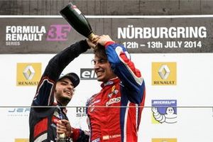 Podium: Race winner Carlos Sainz jr., Dams and Roberto Merhi, Zeta Corse