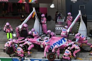 Sergio Perez, Racing Point RP20, makes a stop