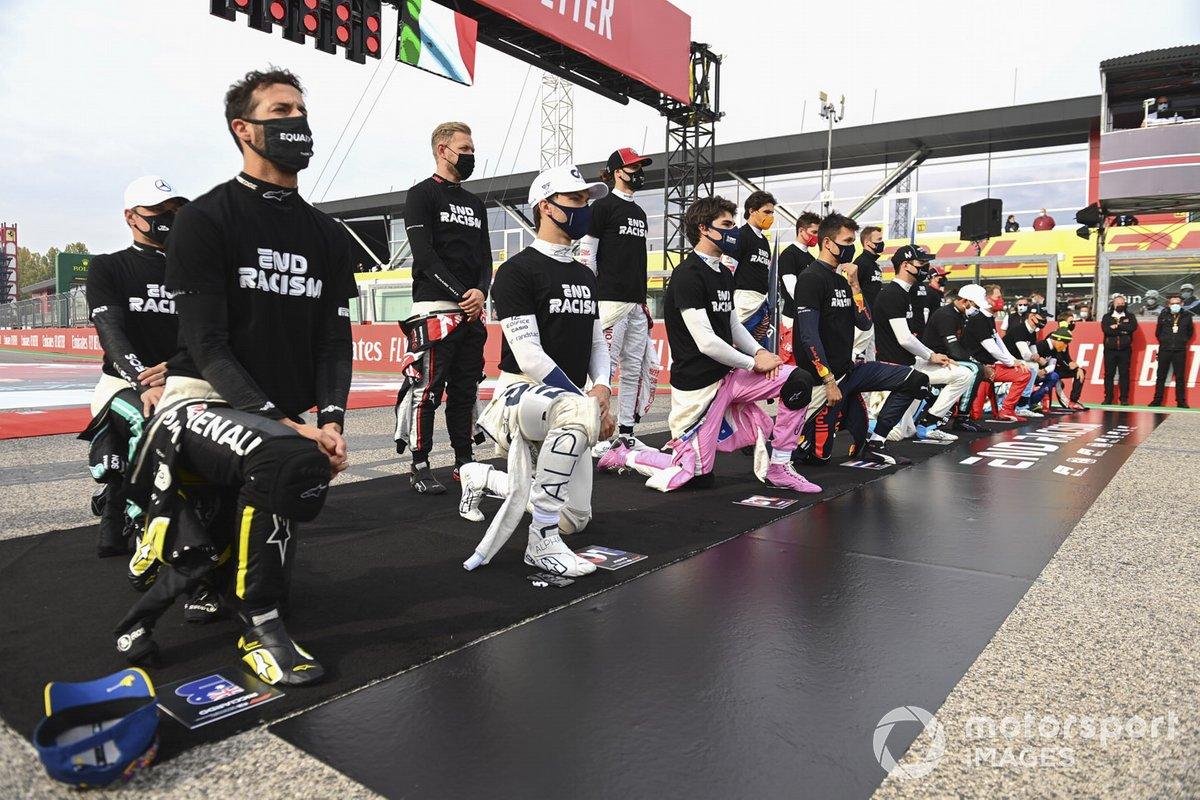 Los pilotos de F1 apoyan la lucha contra el racismo en Imola