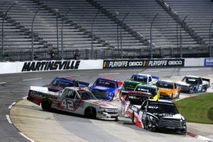 #42: Carson Hocevar, Niece Motorsports, Chevrolet Silverado GMPartsNow #18: Christian Eckes, Kyle Busch Motorsports, Toyota Tundra Safelite AutoGlass