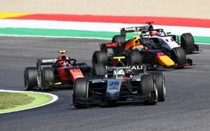 Luca Ghiotto, Hitech Grand Prix devance Felipe Drugovich, MP Motorsport