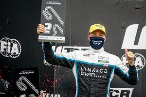 Podio: secondo posto Yann Ehrlacher, Cyan Racing Lynk & Co 03 TCR
