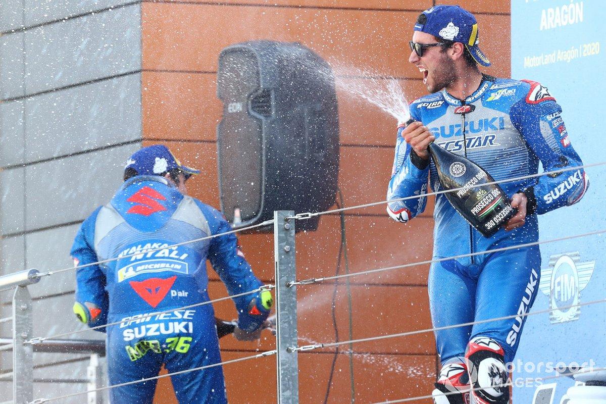 Il vincitore della gara Alex Rins, Team Suzuki MotoGP, terzo classificato Joan Mir, Team Suzuki MotoGP