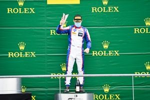 David Beckmann, Trident celebrates on the podium with the champagne