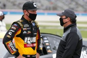 Clint Bowyer, Stewart-Haas Racing, Ford Mustang Rush Truck Centers / Cummins