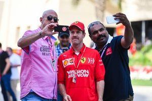 Sebastian Vettel, Ferrari takes selfie with fans