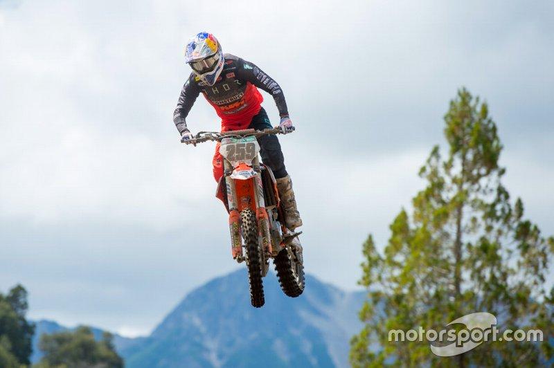 El Mundial de Motocross también tuvo que posponer al 22 de noviembre su tercera cita, la del MXGP de Patagonia-Argentina, programada para el 20-22 de marzo, debido a la expansión del virus.
