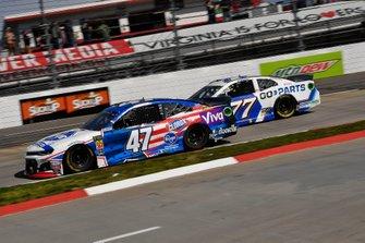 Ryan Preece, JTG Daugherty Racing, Chevrolet Camaro Kroger and D.J. Kennington, Spire Motorsports, Chevrolet Camaro Go-Parts
