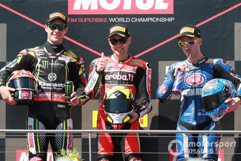 Il secondo classificato Jonathan Rea, Kawasaki Racing, il vincitore Alvaro Bautista, Aruba.it Racing-Ducati Team, il terzo classificato Marco Melandri, GRT Yamaha WorldSBK