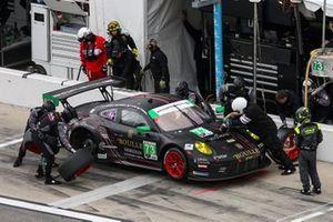 Пит-стоп: Патрик Линдси, Патрик Лонг, Мэтт Кэмпбелл, Николя Буле, Park Place Motorsports, Porsche 911 GT3 R (№73)