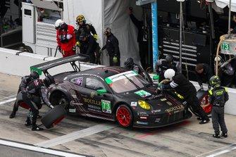 #73 Park Place Motorsports Porsche 911 GT3 R, GTD: Patrick Lindsey, Patrick Long, Matt Campbell, Nicholas Boulle, pitstop