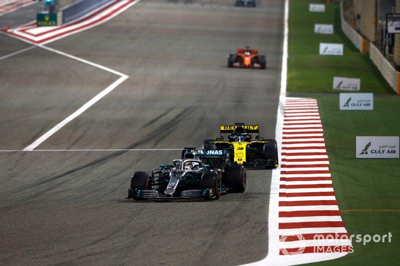 Lewis Hamilton, Mercedes AMG F1 W10, leads Daniel Ricciardo, Renault R.S.19