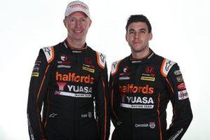 Dan Cammish, Team Dynamics Honda Civic and Matt Neal, Team Dynamics Honda Civic