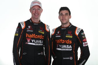 Dan Cammish, Team Dynamics Honda Civic and Matt Neal, Team Dynamics Honda Civic