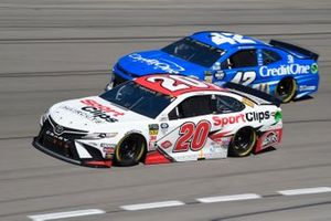 Erik Jones, Joe Gibbs Racing, Toyota Camry SportClips Kyle Larson, Chip Ganassi Racing, Chevrolet Camaro Credit One Bank