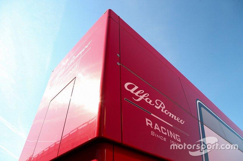 Alfa Romeo Racing motorhome