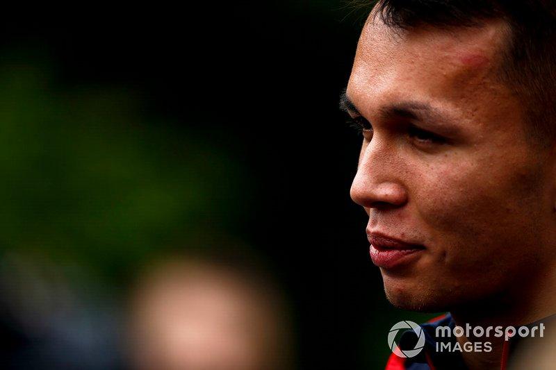 Alexander Albon, Toro Rosso parle avec les médias