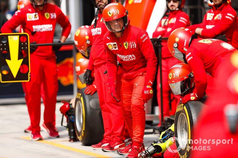 Ferrari mechanics practice pit stop