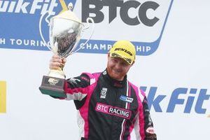 Podio: Ganador, Josh Cook, BTC Racing Honda Civic