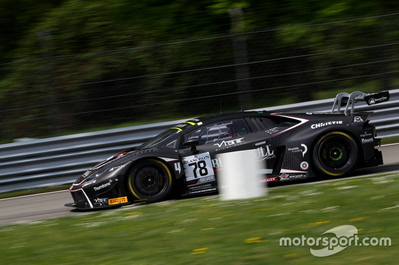 #78 Barwell Motorsport Lamborghini Huracan GT3 Evo: Sandy Mitchell, Jordan Witt, James Pull
