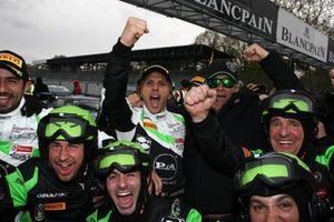 Ganadores: #54 Dinamic Motorsport Porsche 911 GT3 R: Klaus Bachler