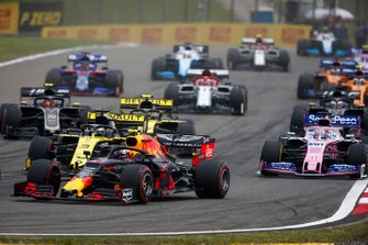 Pierre Gasly, Red Bull Racing RB15, leads Daniel Ricciardo, Renault F1 Team R.S.19, Sergio Perez, Racing Point RP19, Nico Hulkenberg, Renault F1 Team R.S. 19, and Kevin Magnussen, Haas F1 Team VF-19