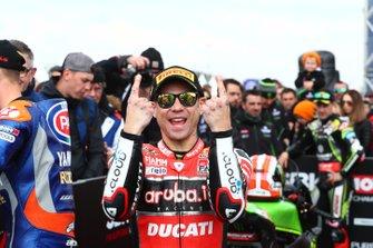 Переможець гонки Альваро Баутіста, Aruba.it Racing-Ducati Team, Джонатан Рей, Kawasaki Racing, друге місце, дивиться на переможця