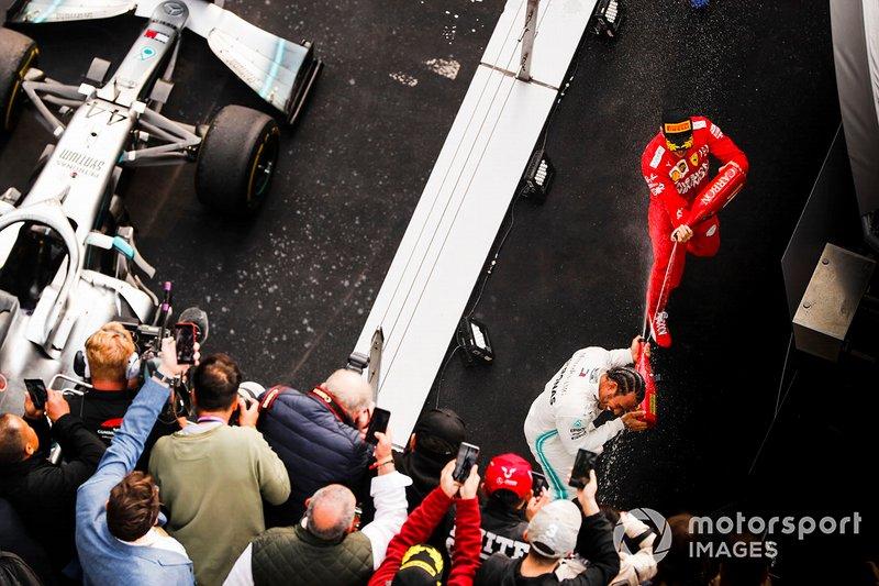 Lewis Hamilton, Mercedes AMG F1, y Sebastian Vettel, Ferrari, tercero