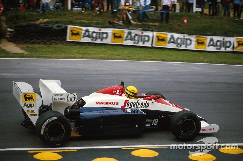 Apenas Warwick e Senna terminaram na volta do líder. O britânico chegou a 42s123 de Lauda, enquanto que o brasileiro da Toleman a 1min03s.