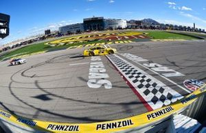 Joey Logano, Team Penske, Ford Mustang Pennzoil celebrates his win