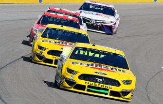 Ryan Blaney, Team Penske, Ford Mustang Menards/Pennzoil Ford, Joey Logano, Team Penske, Ford Mustang Pennzoil