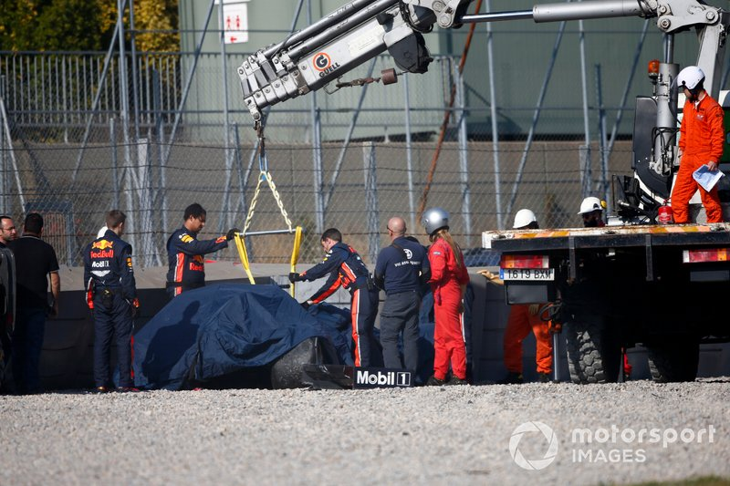 El coche accidentado de Pierre Gasly, Red Bull Racing RB15