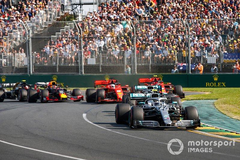 Valtteri Bottas, Mercedes AMG W10, al comando alla partenza
