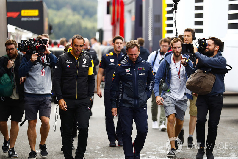 Cyril Abiteboul, Managing Director, Renault Sport F1 Team, with Christian Horner, Team Principal, Red Bull Racing