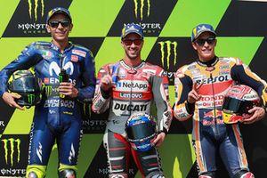 Polesitter Andrea Dovizioso, Ducati Team, tweede plaats Valentino Rossi, Yamaha Factory Racing, derde plaats Marc Marquez, Repsol Honda Team
