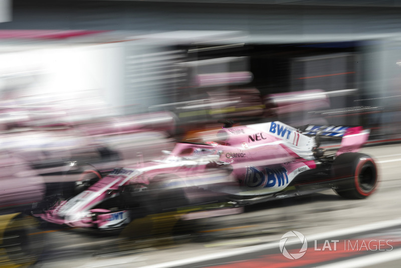 Sergio Perez, Racing Point Force India VJM11, au stand