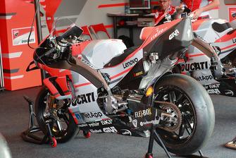 Andrea Dovizioso, Ducati Team, bike